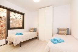 Испания, Фуэнхирола : Роскошный современный дом с шикарным видом на залив Фуэнхирола, потрясающий пейзажный открытый бассейн с подогревом, зона барбекю, 3 спальни, 2 ванные комнаты, бесплатная парковка, кондиционирование, wi-fi