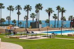 Территория. Испания, Бенальмадена : Изумительные апартаменты с садом и открытым бассейном в городе Бенальмадена, в 100 м от пляжа Санта-Ана, открытая парковка, 1 спальня, 1 ванная комната, Wi-Fi.