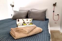 Испания, Фуэнхирола : Cовременный дуплекс с эксклюзивной мебелью скандинавского дизайна и собственным бассейном для 8 гостей. 4 спальни, эксклюзивное барбекю Weber, бесплатная парковка, кондиционирование, wi-fi