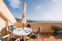 Испания, Фуэнхирола : Cовременный пентхаус с эксклюзивной мебелью скандинавского дизайна и бесподобным видом на Средиземное море, удивительные горы Михас. Терраса с лаундж зоной, 2 спальни, 2 ванные комнаты, бесплатная парковка, wi-fi