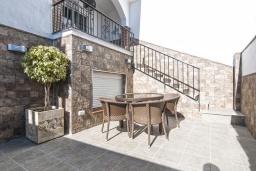 Терраса. Испания, Нерха : Роскошный таунхаус с общим бассейном и террасами в городе Нерха, в 1,2 км от пляжа Бурриана и в 1,5 км от пляжа Калаонда, открытая парковка, 3 спальни, 2 ванные комнаты, Wi-Fi.