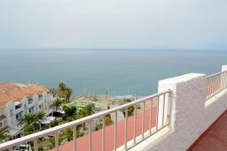 Вид. Испания, Нерха : Изумительные апартаменты с бассейном и балконом на одной из главных улиц Нерхи Кастилья Перес, всего в 1 минуте ходьбы от одного из самых известных в городе пляжей Торресилья,1 спальня, 1 ванная комната, бесплатный Wi-Fi.
