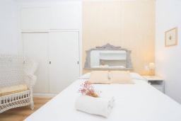 Спальня. Испания, Порт-де-Польенса : Уютная вилла в шаговой доступности от песчаного пляжа, бассейн, гостиная, 4 спальни, 2 ванных комнаты, Wi-Fi, кондиционер