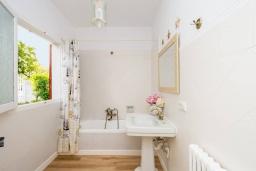 Ванная комната. Испания, Порт-де-Польенса : Уютная вилла в шаговой доступности от песчаного пляжа, бассейн, гостиная, 4 спальни, 2 ванных комнаты, Wi-Fi, кондиционер