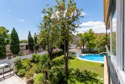 Зелёный сад. Испания, Торремолинос : Шикарные апартаменты с цветущим садом и открытым бассейном в Торремолиносе, в 1 км от пляжа Бахондильо и в 1,9 км от пляжа Плайямар, 2 спальни, 1 ванная, парковка, бесплатный Wi-Fi.