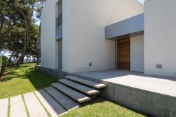 Вид на виллу/дом снаружи. Испания, Алькудия : Современная вилла в стиле