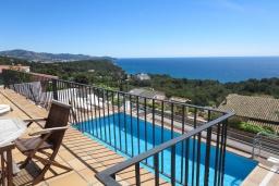 Вид на море. Испания, Бланес : Отличная вилла с фантастическим видом на Средиземное море и ботанические сады, 4 спальни, 3 ванные комнаты и частный бассейн, оборудована кондиционерами и Wi-Fi