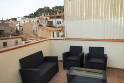 Терраса. Испания, Тосса-де-Мар : Недавно отремонтированный, обновленный таунхаус, расположенный в центре города Тосса-де-Мар, с 2 спальнями и 2 ванными комнатами