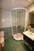 Ванная комната 2. Испания, Тосса-де-Мар : Уютные апартаменты с хорошим комфортабельным интерьером,с 3 спальнями, 2 ванными комнатами террасой с обеденной зоной