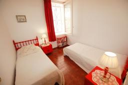 Спальня 3. Испания, Бланес : Прекрасный комфортабельные апартаменты рядом с пляжем в бухте Кала Сан Франсеск, 4 спальни и 2 ванные комнаты, общий бассейн в частном клубе