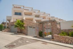 Вход. Испания, Торрокс : Роскошный двухэтажный дом для отдыха с бассейном и видом на море и горы в Торроксе, 3 спальни, 3 ванные комнаты, Wi-Fi.