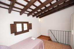 Спальня 3. Испания, Тосса-де-Мар : Аутентичный рыбацкий таунхаус расположенный в центре Тосса-де-Мар, имеет 3 спальни, 1 ванную комнату и парковку
