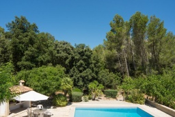 Вид. Испания, Cант-Висенц : Уединенная вилла в окружении лесного массива, гостиная, 3 спальни, 2 ванных комнаты, Wi-Fi, бесплатный пятиместный автомобиль