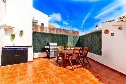 Патио. Испания, Альфас-дель-Пи : Просторный и современный таунхаус в уютной урбанизации Эль Тоссалет, с 4 спальнями, 2 ванными комнатами, с видом на море и горы