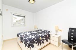 Спальня 3. Испания, Мучамель : Светлая и просторная квартира расположена всего в паре минут езды от уютного городка Мучамель, имеет 3 спальни, 2 ванные комнаты и террасу на крыше с видом на Средиземное море