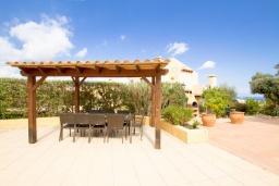 Беседка. Испания, Ла-Нусия : Просторная, свежая, прекрасная вилла, с 4 спальнями, 3 ванными комнатами, бассейном и террасой с видом на Средиземное море и горы