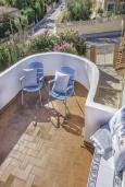 Терраса. Испания, Ла-Нусия : Просторная красивая вилла расположена в городе Ла-Нусия, имеет 4 спальни, 2 ванные комнаты, частный бассейн и террасу на крыше с великолепным видом на Альбир и Средиземное море