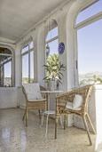 Гостиная / Столовая. Испания, Ла-Нусия : Просторная красивая вилла расположена в городе Ла-Нусия, имеет 4 спальни, 2 ванные комнаты, частный бассейн и террасу на крыше с великолепным видом на Альбир и Средиземное море