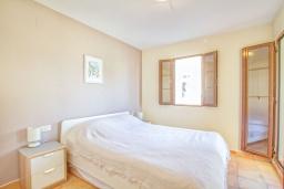 Спальня. Испания, Бенидорм : Современный и просторный таунхаус, расположенный недалеко от Бенидорма,