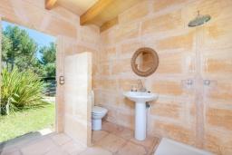 Ванная комната. Испания, Капдепера : Впечатляющая вилла с бассейном и садом
