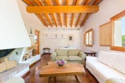 Студия (гостиная+кухня). Испания, Капдепера : Впечатляющая вилла с бассейном и садом