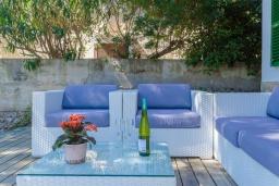 Патио. Испания, Сон-Серра-де-Марина : Прекрасное шале с садом и несколькими террасами