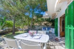 Терраса. Испания, Сон-Серра-де-Марина : Прекрасное шале с садом и несколькими террасами