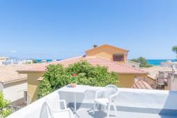 Балкон. Испания, Сон-Серра-де-Марина : Прекрасное шале с садом и несколькими террасами