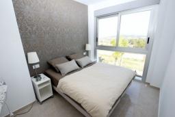 Спальня. Испания, Полоп : Роскошная вилла, расположенная в тихом районе, с потрясающим видом на Средиземное море, с 3 спальнями, 2 ванными комнатами и частным бассейном