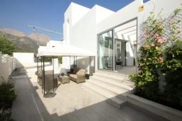 Патио. Испания, Полоп : Роскошная вилла, расположенная в тихом районе, с потрясающим видом на Средиземное море, с 3 спальнями, 2 ванными комнатами и частным бассейном