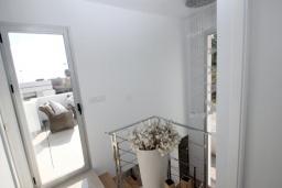 Терраса. Испания, Полоп : Роскошная вилла, расположенная в тихом районе, с потрясающим видом на Средиземное море, с 3 спальнями, 2 ванными комнатами и частным бассейном