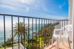 Балкон. Испания, Нерха : Изысканные апартаменты с общим бассейном, барбекю и садом в районе пляжа Бурриана в Нерхе, 3 спальни, ванная комната, Wi-Fi.
