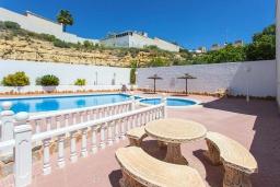 Зона отдыха у бассейна. Испания, Сьюдад Кесада : Прекрасный 2-спальный таунхаус с большой ванной комнатой и прекрасным видом на поле для гольфа