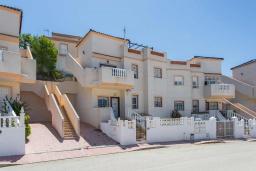 Вид на виллу/дом снаружи. Испания, Сьюдад Кесада : Прекрасный 2-спальный таунхаус с большой ванной комнатой и прекрасным видом на поле для гольфа