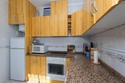 Кухня. Испания, Сьюдад Кесада : Идеальная вилла для отдыха на Коста Бланка, в нескольких минутах езды от всех удобств и потрясающих пляжей, с 3 спальнями, 1 ванной комнатой и частным бассейном.
