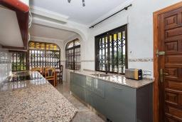 Кухня. Испания, Сьюдад Кесада : Прекрасная вилла в Сьюдад Кесада, Коста Бланка, Испания с частным бассейном, подходящим для детей, с 3 спальнями, 2 ванными комнатами, Wi-Fi и кондиционерами.