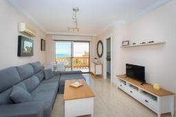 Гостиная / Столовая. Испания, Торревьеха : Просторная квартира с 2 спальнями и 2 ванными комнатами, всего в 500 метрах от потрясающих белых песчаных пляжей.