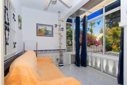 Веранда. Испания, Сьюдад Кесада : Красивый таунхаус с 2 спальнями и 1 ванной комнатой в закрытом сообществе в популярном районе Донья Пепа.