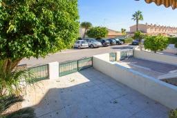 Парковка. Испания, Сьюдад Кесада : Восхитительный таунхаус с 2 спальнями и 2 ванными комнатами, в популярном районе Донья Пепа, в идеальном месте, рядом со всеми удобствами.