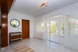 Коридор. Испания, Сьюдад Кесада : Красивая вилла в средиземноморском стиле для отдыха на Коста Бланка, 2 спальни, 2 ванные комнаты и частный бассейн
