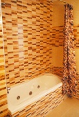 Ванная комната. Испания, Торревьеха : Прекрасная современная квартира, со свежим ремонтом, кондиционерами и Wifi, расположена на пляже Росио-дель-Мар.