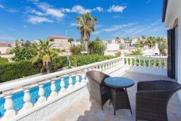Терраса. Испания, Сьюдад Кесада : Прекрасная отдельная вилла с большим частным бассейном, 3 спальнями и 2 ванными комнатами, расположенная в небольшом городке Сьюдад Кесада