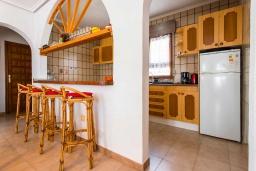 Кухня. Испания, Сьюдад Кесада : Прекрасная отдельная вилла с большим частным бассейном, 3 спальнями и 2 ванными комнатами, расположенная в небольшом городке Сьюдад Кесада