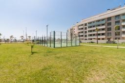 Развлечения и отдых на вилле. Испания, Торремолинос : Фантастические апартаменты с детской площадкой, теннисным кортом, кондиционером и бассейном в Торремолиносе, в 300 м от пляжа Лос-Аламос и в 600 м от пляжа Кампо-де-Гольф, 2 спальни, 2 ванные комнаты, Wi-Fi.