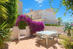 Терраса. Испания, Сьюдад Кесада : Прекрасный дом с 2 спальнями, 2 ванными комнатами, является частью охраняемого закрытого сообщества в самом сердце Донья Пепа, в нескольких минутах ходьбы от всех местных удобств.