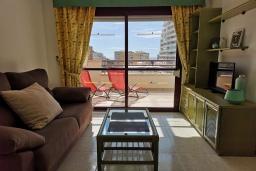 Гостиная / Столовая. Испания, Кальпе : Хорошая квартира для отдыха с 1 спальней и 1 ванной комнатой, прямо на пляже Леванте, с роскошным видом видом на море и пляж