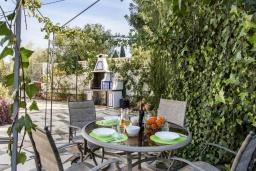 Беседка. Испания, Кальпе : Замечательный дом для отдыха, недалеко от пляжа и Кальпе, с 3 спальнями, 2 ванными комнатами и частным бассейном с шезлонгами