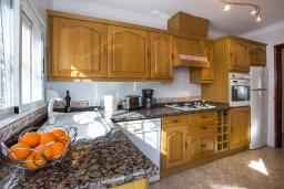 Кухня. Испания, Кальпе : Замечательный дом для отдыха, недалеко от пляжа и Кальпе, с 3 спальнями, 2 ванными комнатами и частным бассейном с шезлонгами