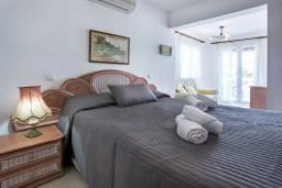 Спальня. Испания, Кальпе : Замечательный дом для отдыха, недалеко от пляжа и Кальпе, с 3 спальнями, 2 ванными комнатами и частным бассейном с шезлонгами