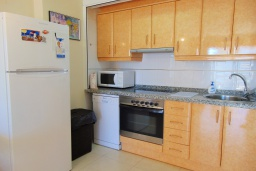 Кухня. Испания, Кальпе : Небольшая симпатичная квартира с уютным интерьером, не оставит Вас равнодушными, с 1 спальней, 1 ванной комнатой и потрясающим видом на море.